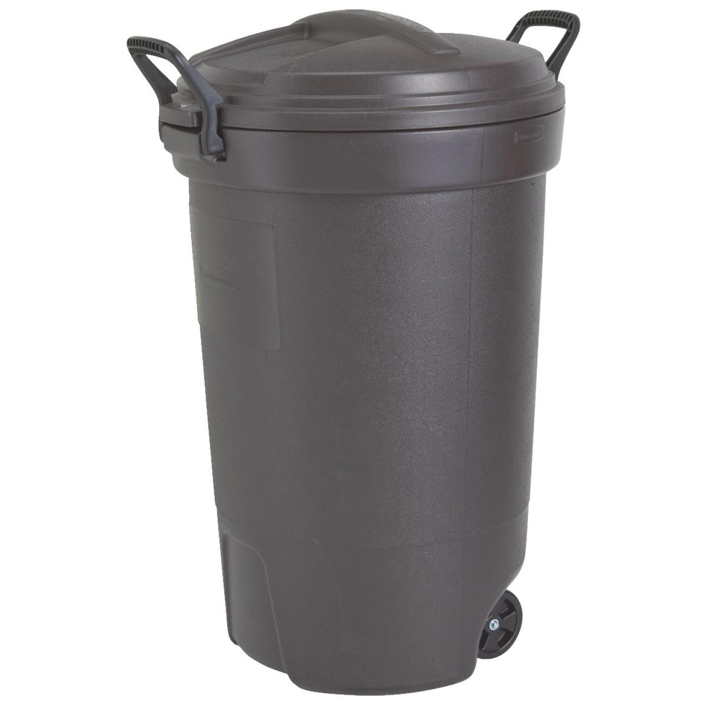Rubbermaid 32 Gal. Black Wheeled Trash Can with Lid Image 1